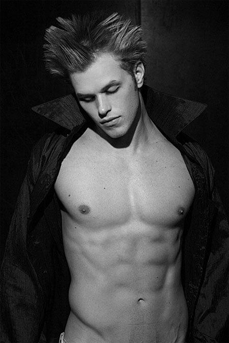 Kellan, da vampiro a modello