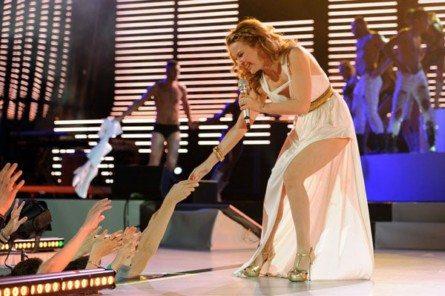Kylie, splendida Afrodite a Verona
