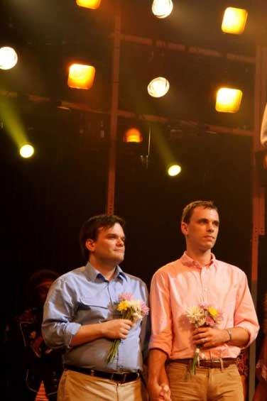 Broadway, durante il musical si sposano tre coppie