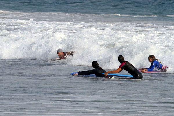 Becks fa surf a Malibù