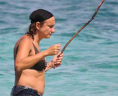 Luxuria: le foto della vita da naufraga