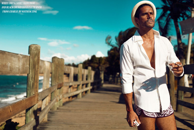 Frederick Valentin supersexy sulla spiaggia di Puerto Rico