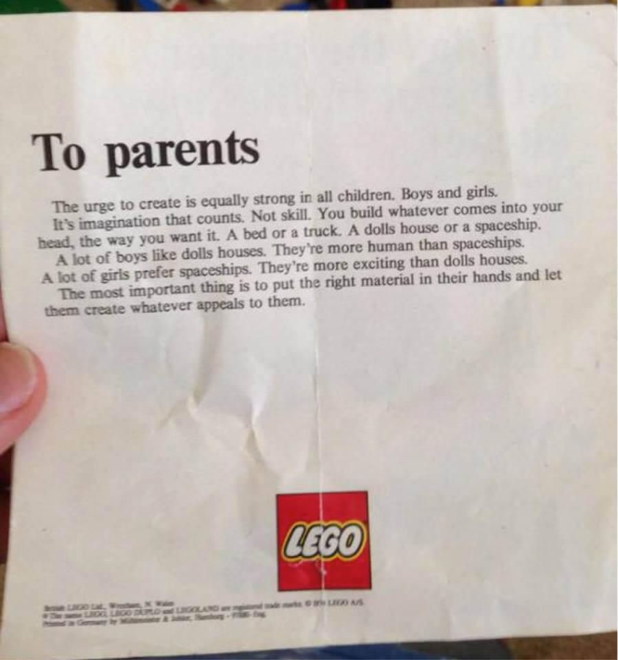 Lego: bambini giocano con le bambole? Lasciateli liberi di scegliere