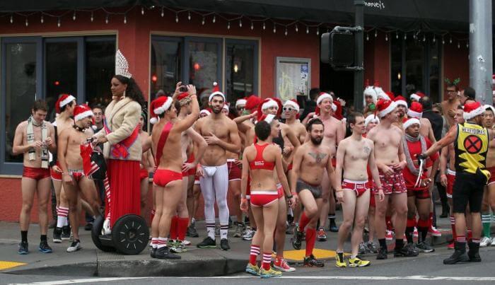 Santa Skivvies Run: torna la corsa dei Babbo Natale in slip