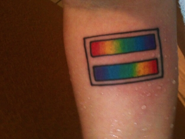 "I 15 tattoo ""gay\"" più favolosi e rainbow che tu abbia mai visto"