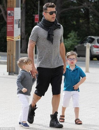 """Ricky Martin e le domande difficili dei figli: \""""Ero nella tua pancia?\"""""""