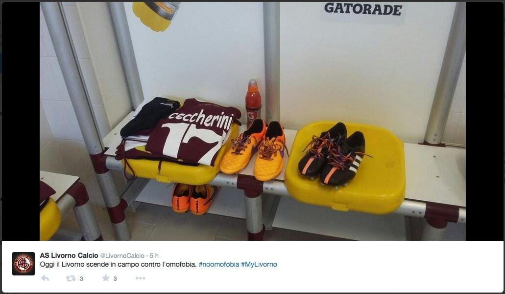 #IDAHOT: i calciatori del Livorno scendono in campo contro l\