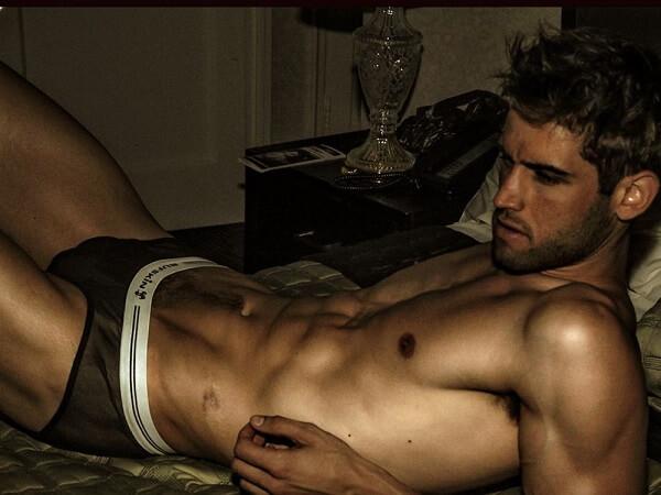 incontri eros italia attori nudi gay