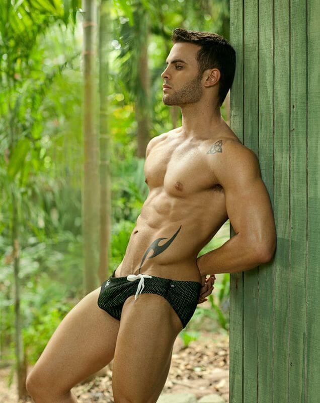 andrew_Corvin_bulge_cock_hot_sexy