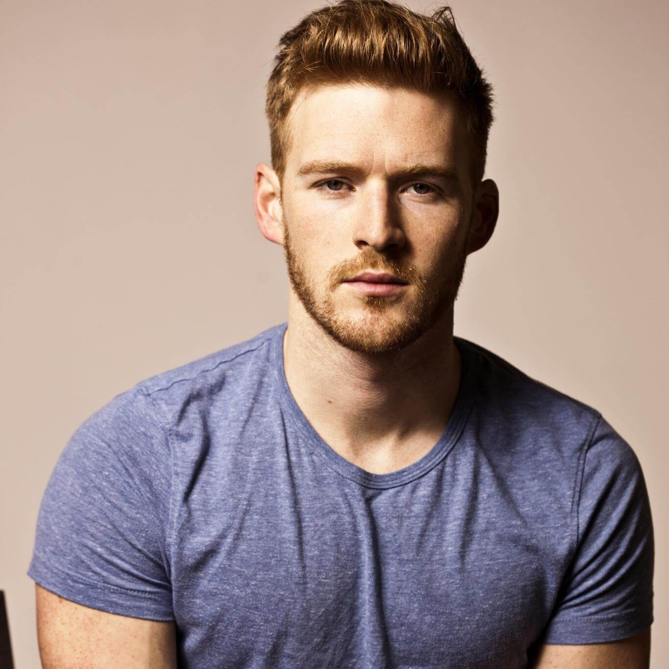 alex_mountain_prevenzione_HIV_AIDS_pop_up_kissing_booth_twitter