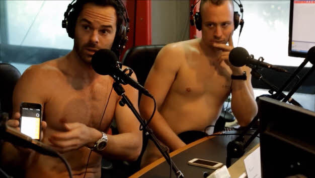 the_naked_magicians_maghi_nudi_radio
