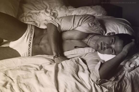 Bernardo_Arriagada_sexy_bed