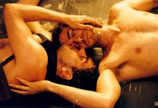 eduardo_noriega_leonardo_sbaraglia_plata_quemada_scena_Gay