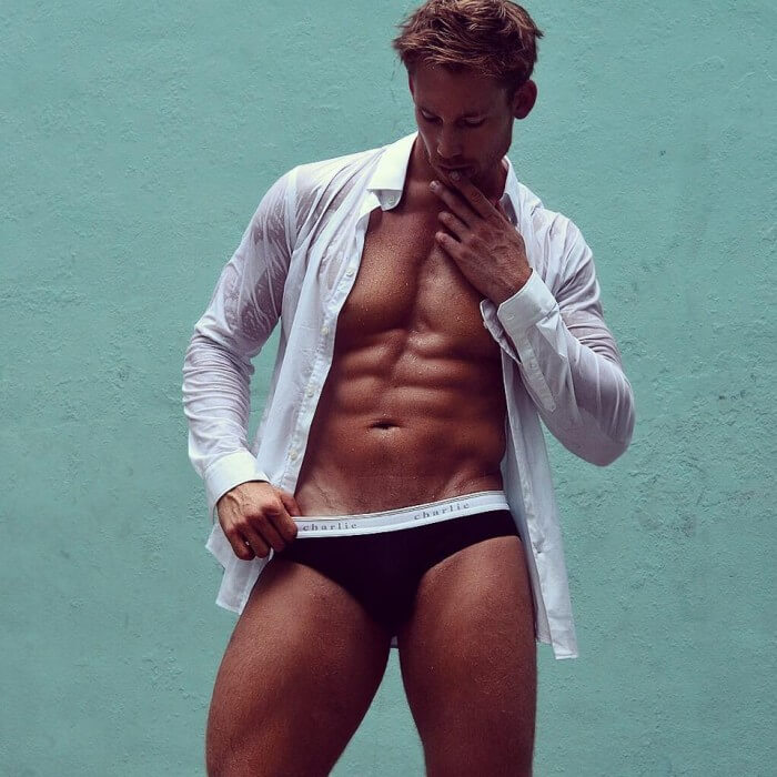 Calum_Winsor_corpo_sexy