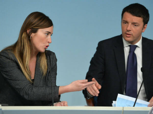 Unioni civili vertice renzi boschi sul tavolo mediazione stepchild - Video sesso sul tavolo ...