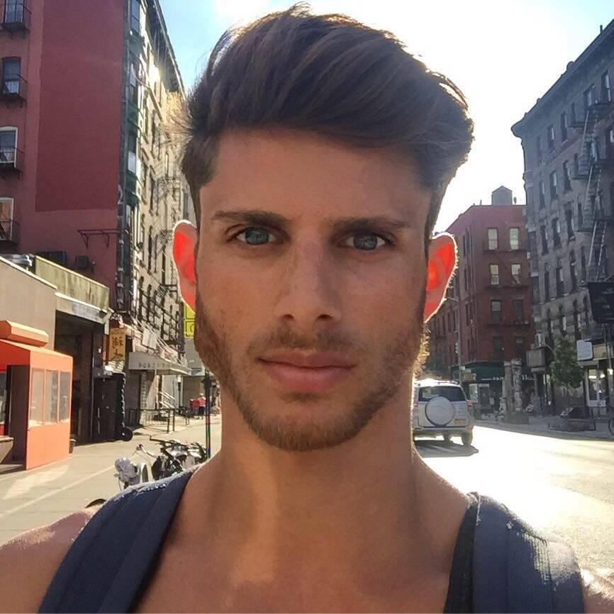 barrett_pall_blogger_gay