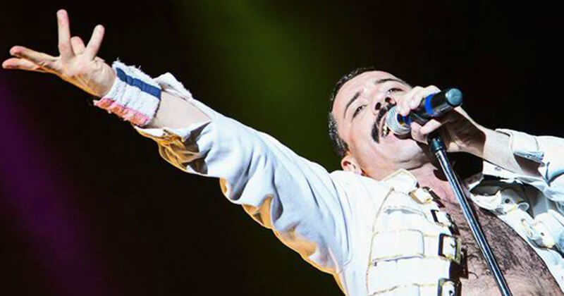 Piero_Venery_sosia_Freddy_mercury_white_queen