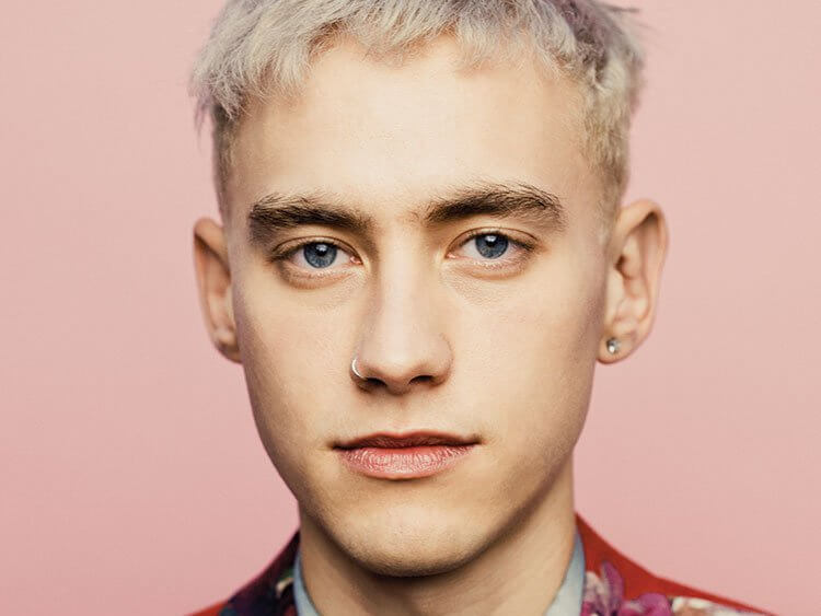 olly_alexander_pink