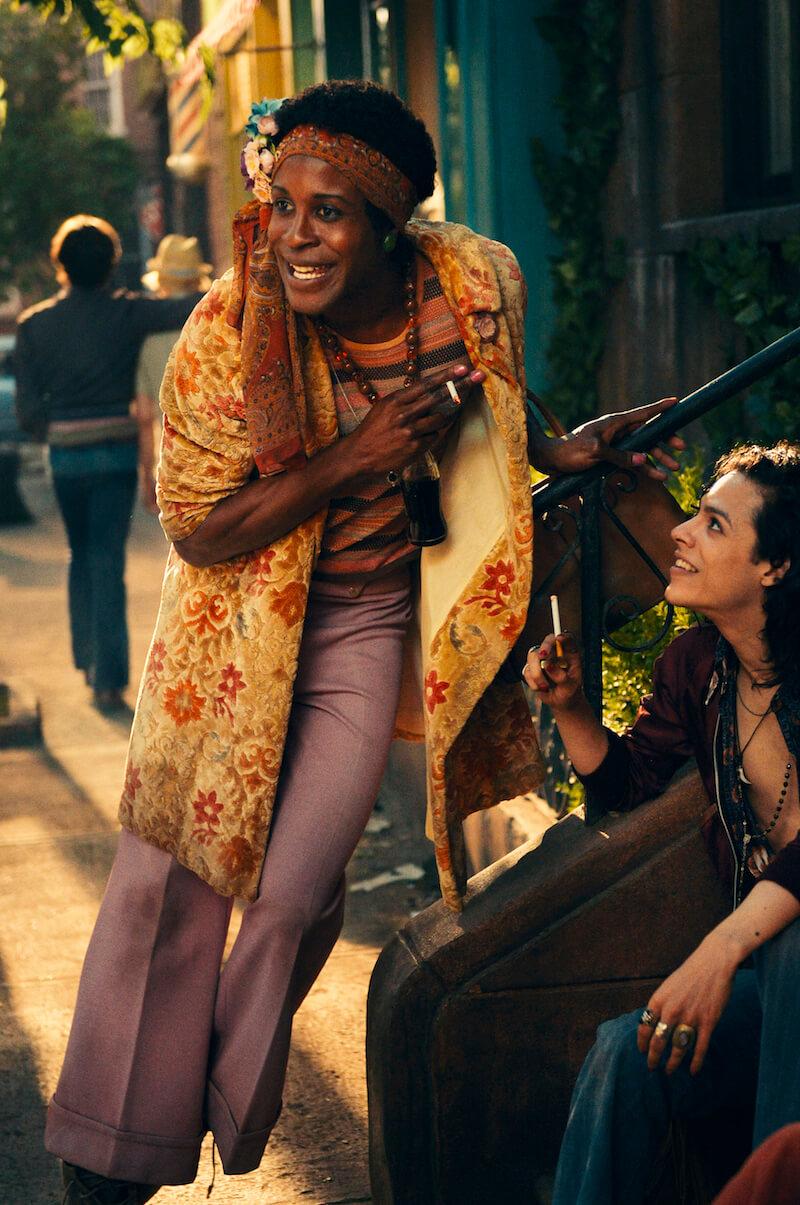 Vivide, vibranti, 70's: le più belle immagini dal set di Stonewall