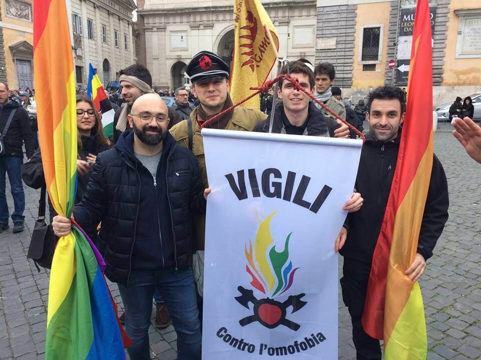 vigili_contro_omofobia