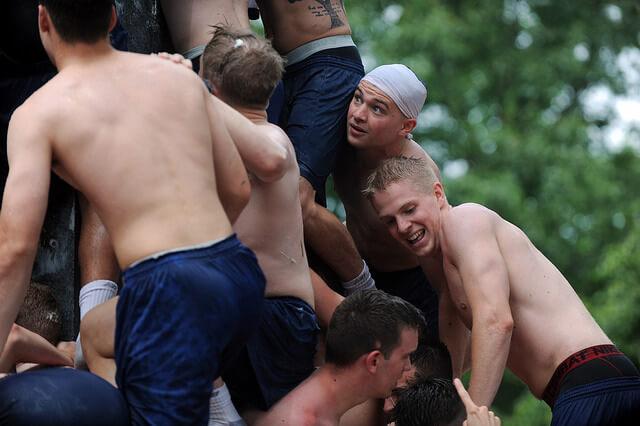 Herndon: la scalata di cadetti più omoerotica al mondo