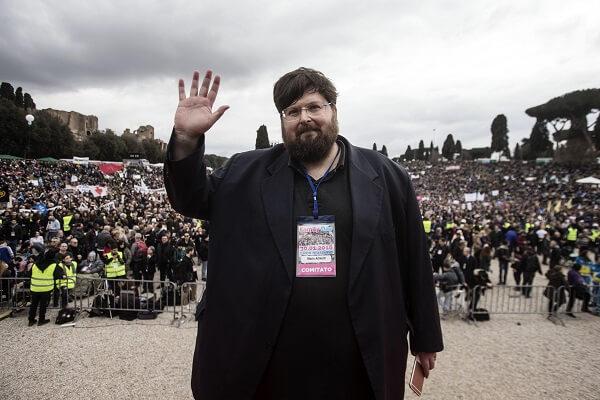 Mario Adinolfi al Circo Massimo in occasione del Family Day, Roma, 30 gennaio 2016. ANSA/ ANGELO CARCONI