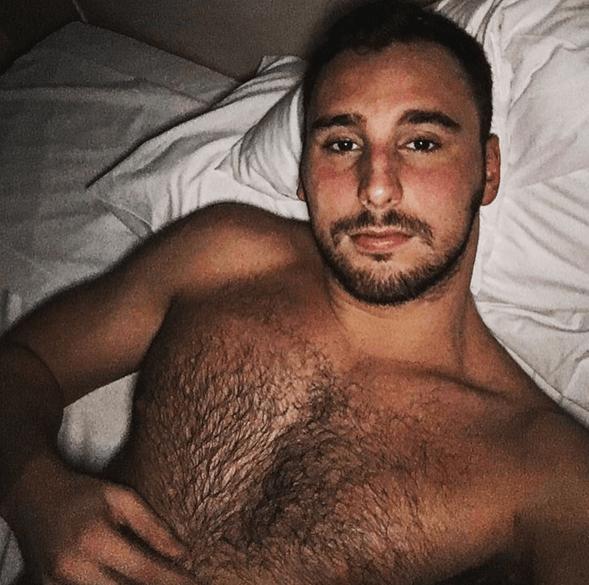 Víctor Gutiérrez fa coming out: ecco le sue foto personali più sexy