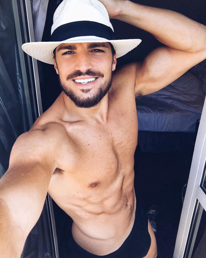 Mariano-di-vaio-pacco-mutande-sexy-muscoli