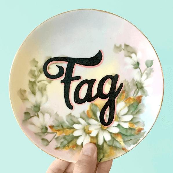 Le ceramiche gay vintage e sfacciate di Pansy Ass
