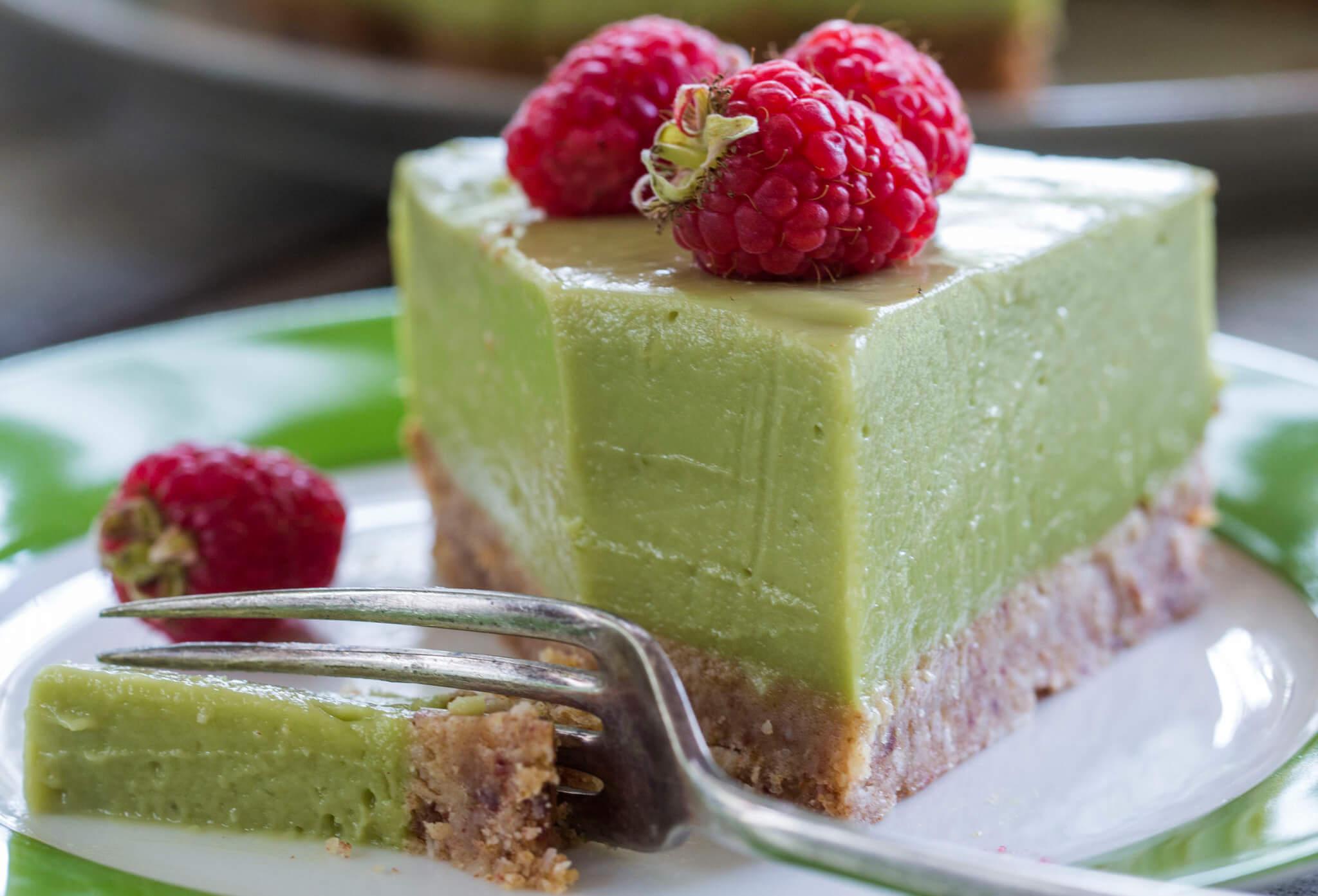 avocado_lime_coconut_cheesecake_nadia_lim2