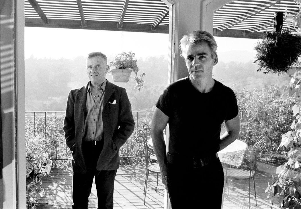 Christopher Isherwood e Don Bachardy, in una foto scattata poco prima della morte dello scrittore.