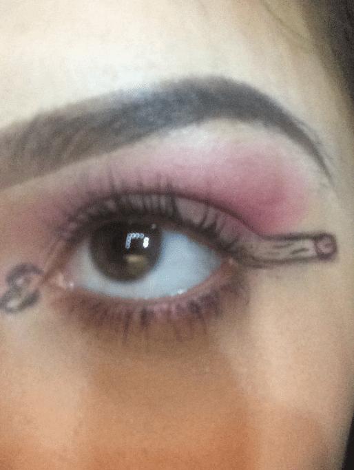 Dickliner: il nuovo trend è disegnarsi peni intorno agli occhi