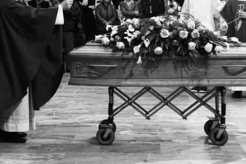 prete_funerale