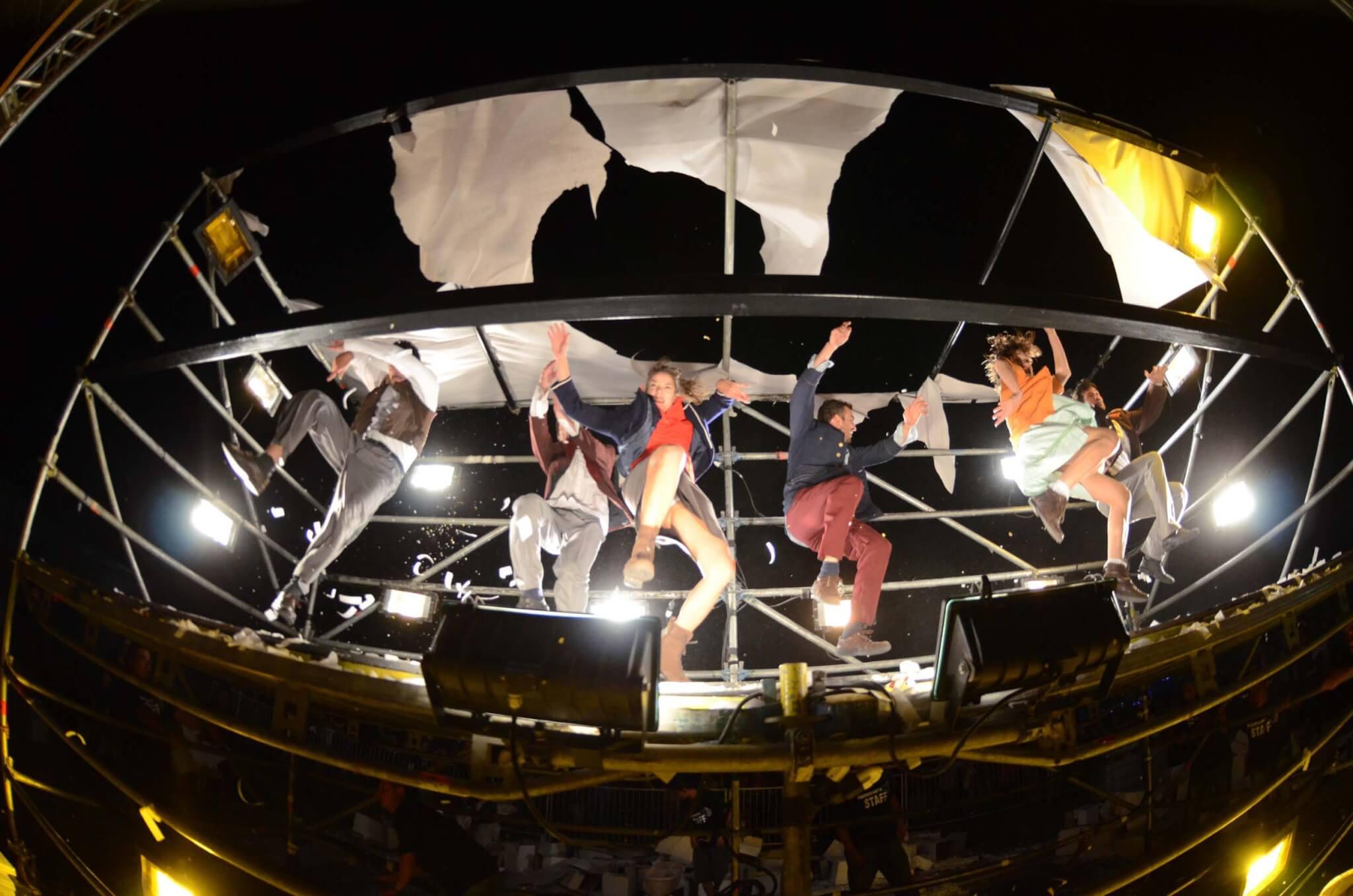 Visioni, suoni, acrobrazie in 3D: questo è Fuerza Bruta - GALLERY