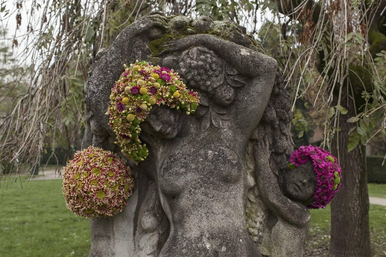 Questo artista belga dona nuova vita alle statue grazie ai fiori