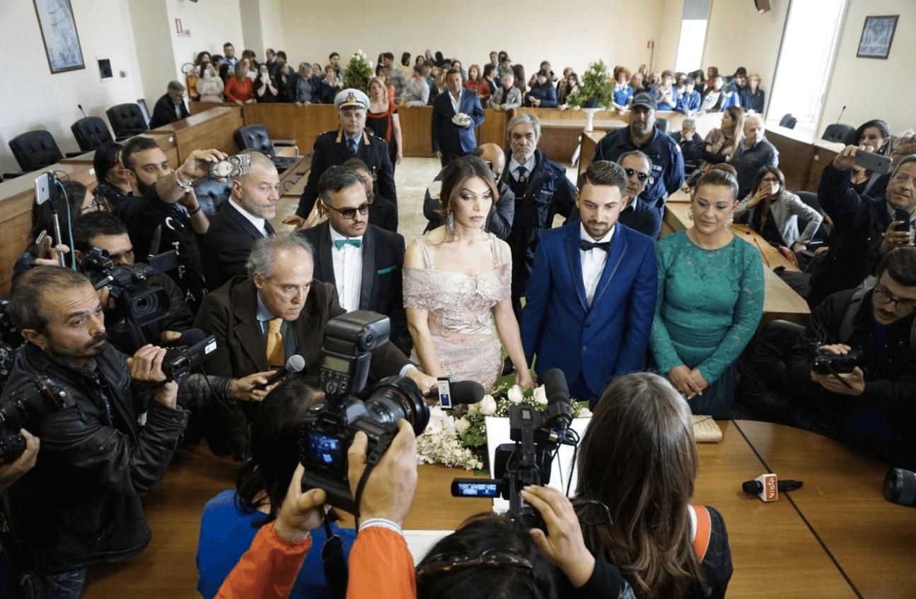 Alessia e Michele si sono sposati: le immagini della prima sposa transessuale in Italia