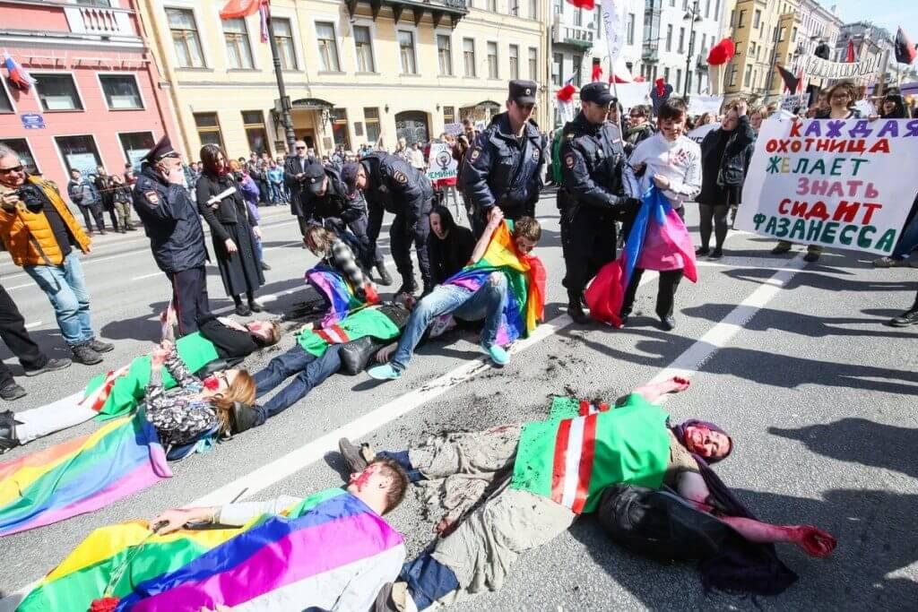 Russia, arrestati attivisti LGBT: protestavano contro i lager ceceni