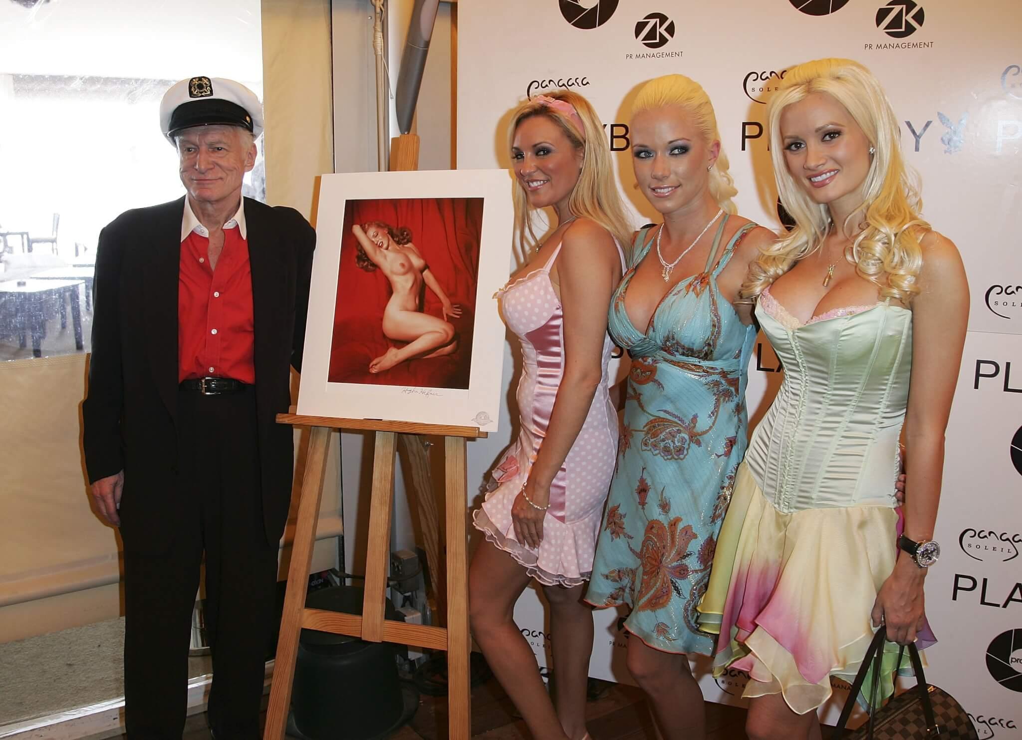 Hugh Hefner a Cannes per i suoi 80 anni.