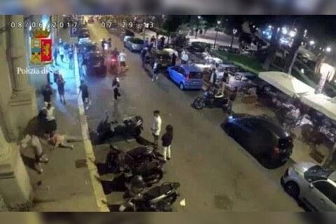 Coppia gay pestata e rapinata sul lungomare di Bari