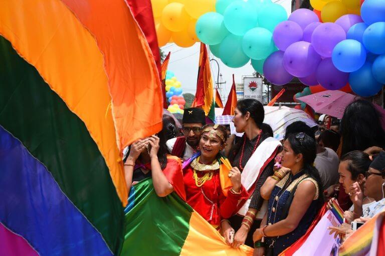 Matrimonio In Nepal : Nepal lamore tra monika e ramesh: è il primo matrimonio di una