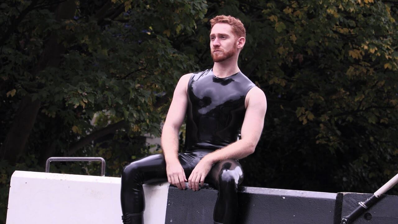 Il ginger in leather