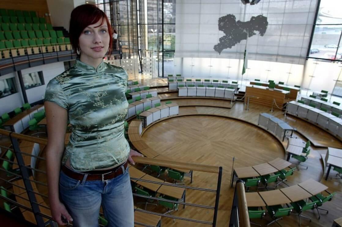Le donne della politica pi attraenti al mondo for Parlamentari donne