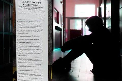 Volantino omofobo Milano: I gay infettano il mondo