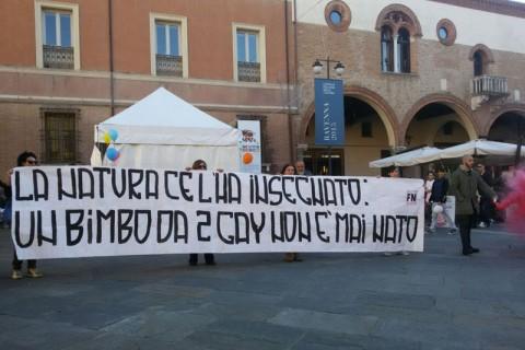 Forza Nuova Ravenna Manifestazione adozioni gay famiglia arcobaleno