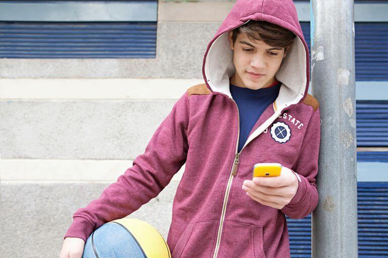 gay teen app grindr