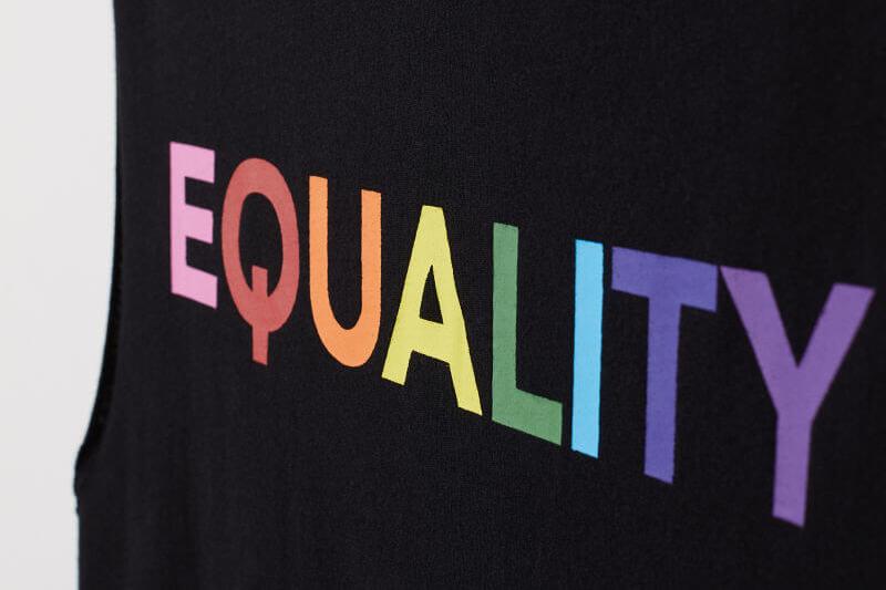 H&M ha deciso di sostenere la comunità LGBTI con una collezione rainbow