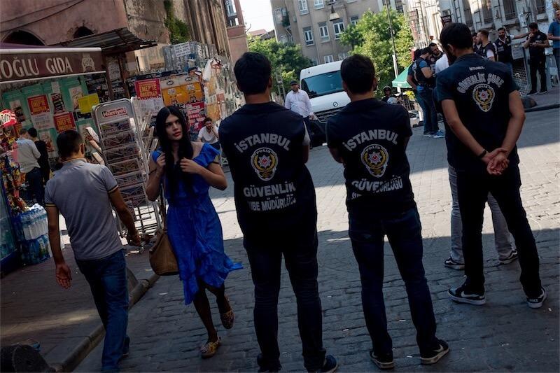 Istanbul Pride 2018, 1000 persone contro il divieto e i poliziotti: 11 le persone arrestate